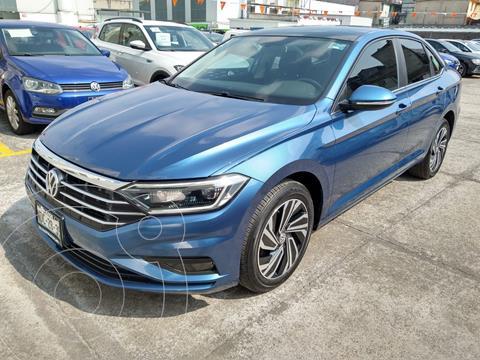Volkswagen Jetta HIGHLINE 1.4L 150HP TIP usado (2019) color Azul precio $400,000
