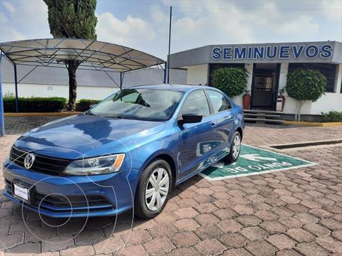 Volkswagen Jetta 4P L4 2.0 AUT usado (2018) color Azul Electrico precio $244,000