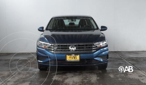 Volkswagen Jetta Trendline usado (2020) color Azul Acero precio $320,000