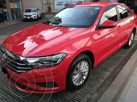 Volkswagen Jetta Comfortline usado (2019) color Rojo precio $299,000