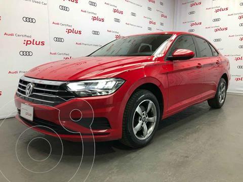Volkswagen Jetta Comfortline usado (2019) color Rojo precio $275,000