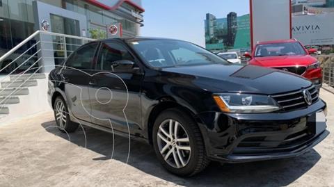 Volkswagen Jetta 2.0 usado (2018) color Negro precio $245,000