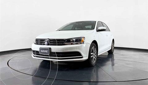 Volkswagen Jetta Version usado (2015) color Blanco precio $179,999