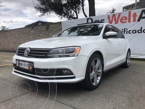 Volkswagen Jetta Comfortline usado (2015) color Blanco precio $199,000