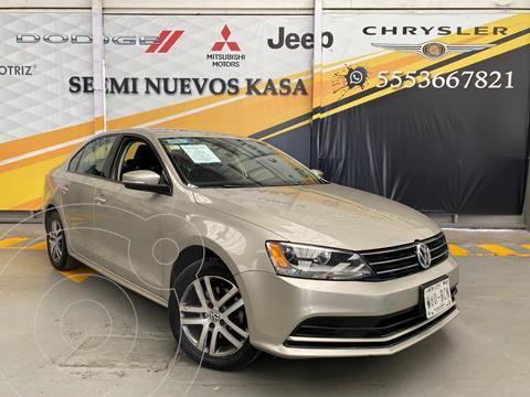 Volkswagen Jetta Trendline usado (2016) color Cafe precio $220,000
