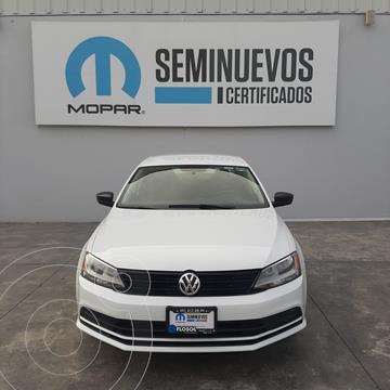 Volkswagen Jetta 2.0 usado (2018) color Blanco precio $210,000