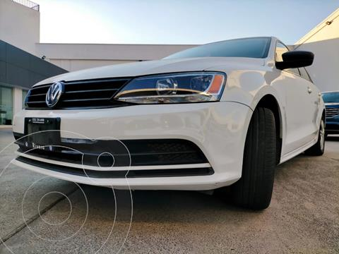 Volkswagen Jetta 2.0 usado (2018) color Blanco precio $225,000