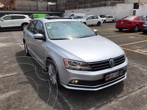 Volkswagen Jetta Comfortline usado (2016) color Plata Reflex financiado en mensualidades(enganche $60,000 mensualidades desde $6,252)