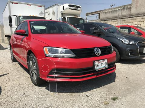 Volkswagen Jetta Comfortline usado (2016) color Rojo Tornado precio $172,000