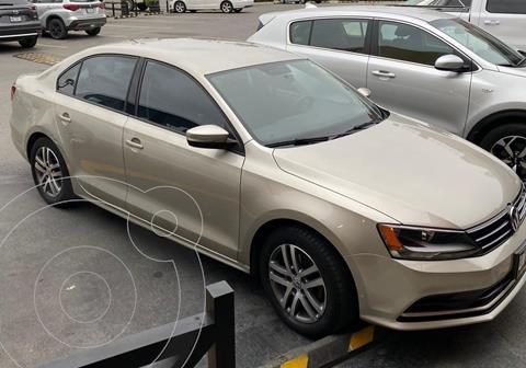 Volkswagen Jetta Trendline usado (2016) color Plata Lunar precio $165,000