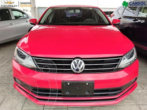 Volkswagen Jetta 2.0 usado (2015) color Rojo precio $195,000