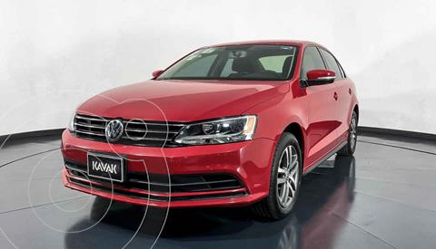 Volkswagen Jetta Version usado (2015) color Rojo precio $202,999
