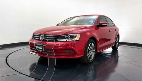 Volkswagen Jetta Version usado (2015) color Rojo precio $189,999