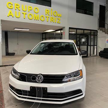 Volkswagen Jetta 2.0 usado (2017) color Blanco precio $198,000