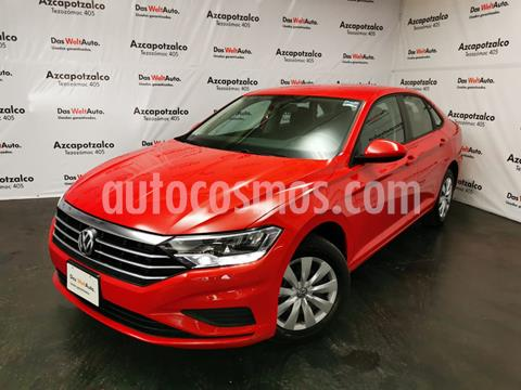 Volkswagen Jetta Trendline usado (2020) color Rojo Tornado precio $275,000
