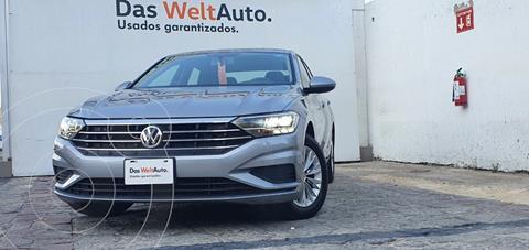 Volkswagen Jetta Comfortline usado (2019) color Plata Dorado precio $315,000