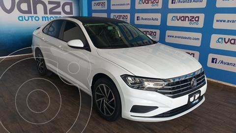 Volkswagen Jetta Comfortline usado (2019) color Blanco precio $300,000