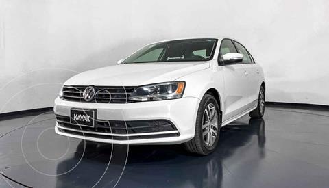 Volkswagen Jetta Version usado (2015) color Blanco precio $199,999