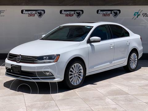 Volkswagen Jetta Sportline usado (2018) color Blanco precio $245,000