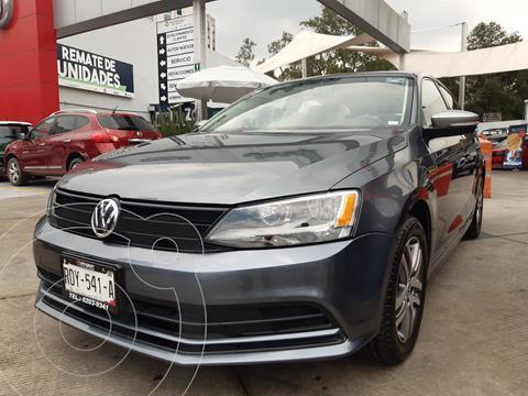 Volkswagen Jetta Live Tiptronic usado (2016) color Gris Platino precio $250,000