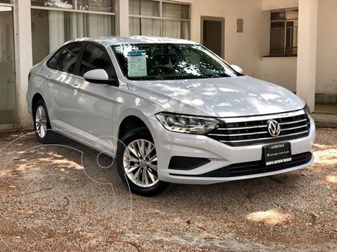 Volkswagen Jetta Comfortline usado (2019) color Plata precio $305,000
