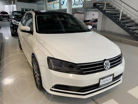 Volkswagen Jetta Europa 2.0 Aut usado (2017) color Blanco precio $245,000