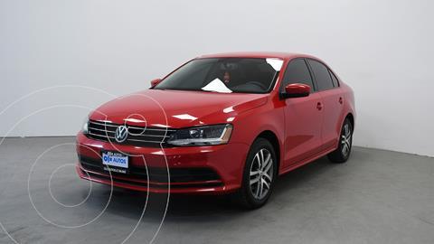 Volkswagen Jetta Trendline usado (2018) color Rojo precio $242,000
