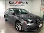 Foto venta Auto Seminuevo Volkswagen Jetta Trendline 2.0 Aut (2017) color Gris Platino precio $249,000
