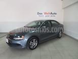 Foto venta Auto usado Volkswagen Jetta Trendline (2018) color Gris Platino precio $247,464