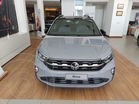 Volkswagen Nivus Highline 200 TSi nuevo color Gris precio $3.697.000