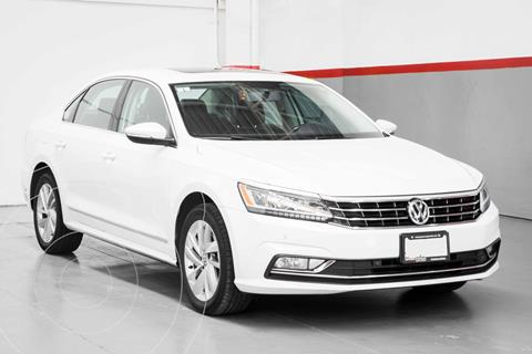 Volkswagen Passat Tiptronic Sportline usado (2018) color Blanco precio $344,900