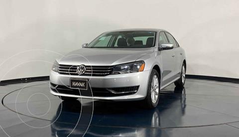 Volkswagen Passat Version usado (2014) color Gris precio $174,999