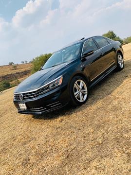 Volkswagen Passat R Line usado (2017) color Negro precio $250,000