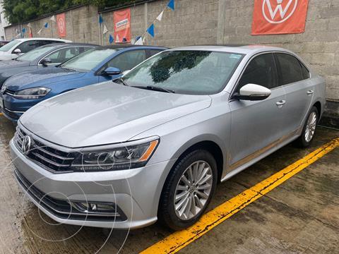 Volkswagen Passat HIGHLINE 2.5L V5 170HP TIP usado (2017) color Plata precio $329,990