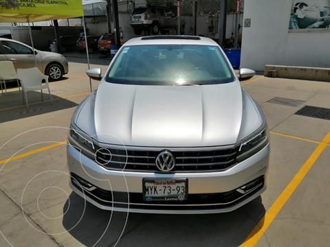 Volkswagen Passat DSG V6 usado (2016) color Plata Reflex financiado en mensualidades(enganche $71,813 mensualidades desde $5,383)