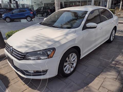Volkswagen Passat SPORTLINE usado (2013) color Blanco precio $155,000
