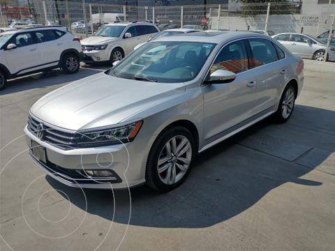 Volkswagen Passat DSG V6 usado (2017) color Plata Reflex precio $310,000
