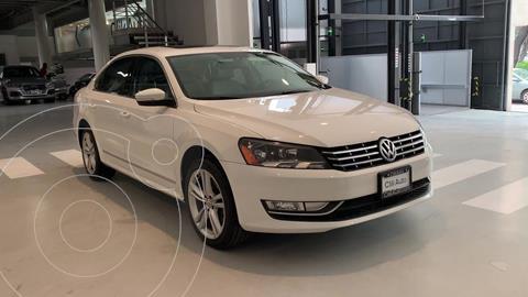 Volkswagen Passat GLX VR6 Aut usado (2013) color Blanco precio $185,000