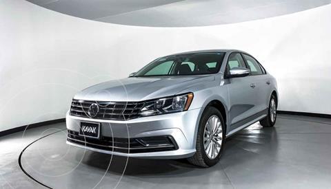 Volkswagen Passat Tiptronic Highline usado (2016) color Plata precio $227,999