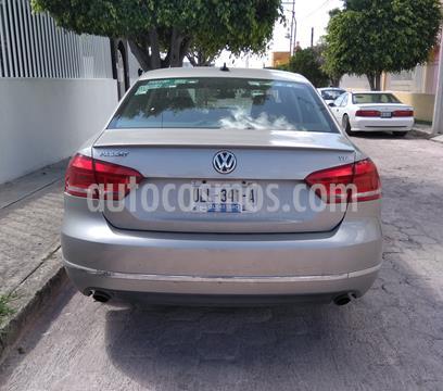Volkswagen Passat DSG V6  usado (2014) color Gris Tungsteno precio $175,500