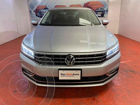 Volkswagen Passat Tiptronic Highline usado (2018) color Plata precio $350,000