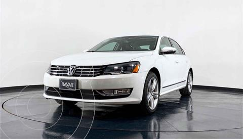 Volkswagen Passat GLX VR6 Aut usado (2012) color Blanco precio $164,999