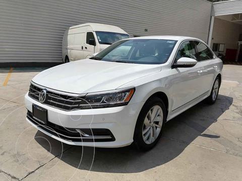 foto Volkswagen Passat Tiptronic Highline usado (2019) color Blanco precio $370,000