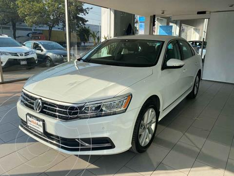 Volkswagen Passat Tiptronic Highline usado (2019) color Blanco precio $399,000