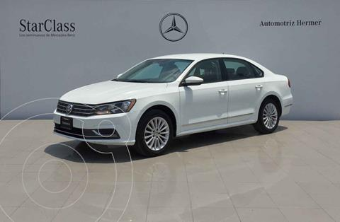 foto Volkswagen Passat Tiptronic Comfortline usado (2017) color Blanco precio $259,900