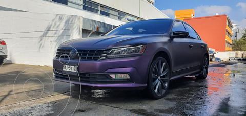 Volkswagen Passat DSG V6 usado (2016) color Blanco precio $299,000