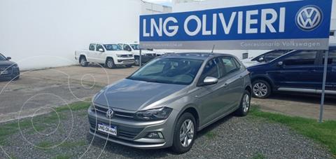 Volkswagen Polo 5P Comfortline usado (2018) color Plata Tungsteno precio $1.650.000