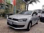 Foto venta Auto usado Volkswagen Polo Hatchback Comfortline Aut (2013) color Plata precio $156,000
