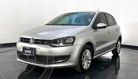 Volkswagen Polo Hatchback Comfortline Aut usado (2014) color Plata precio $142,999