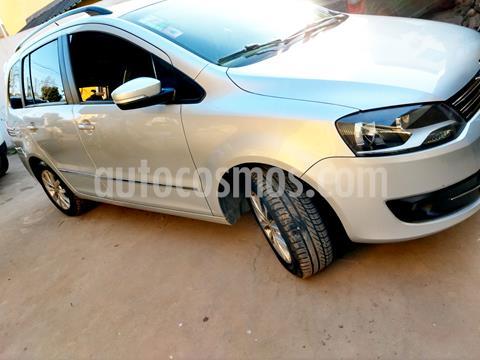 foto Volkswagen Suran 1.6 Highline I-Motion usado (2013) color Plata precio $610.000